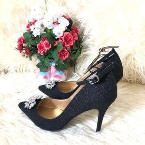 NWOT Badgley Mischka Mark&James Black Glitter Shoe